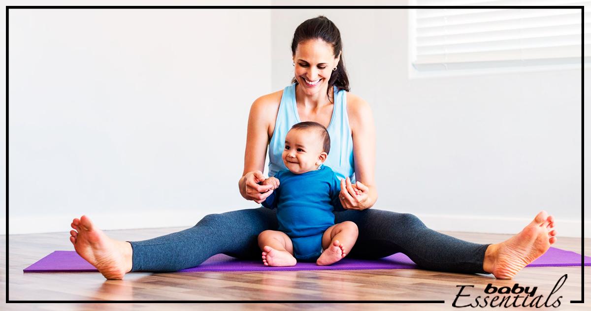 Mujer hace deporte con su bebé